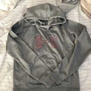 Women's small under armour hoodie